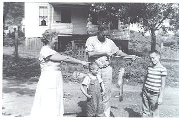 taylor family little boy in middle is Paul Richmond